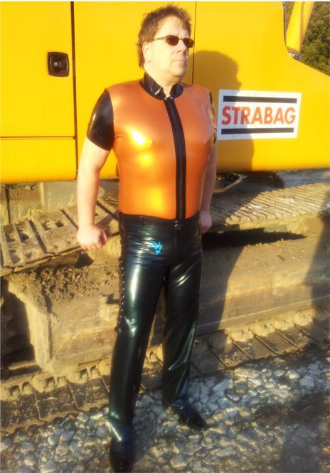 Latex-Shirt, vorne und hinten verschiedene Farben